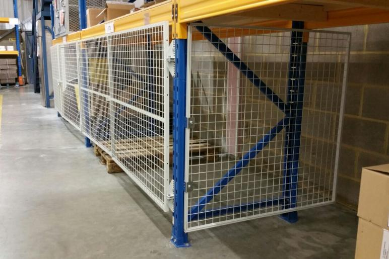 Mesh Security Doors And Panels For Enclosing Pallet